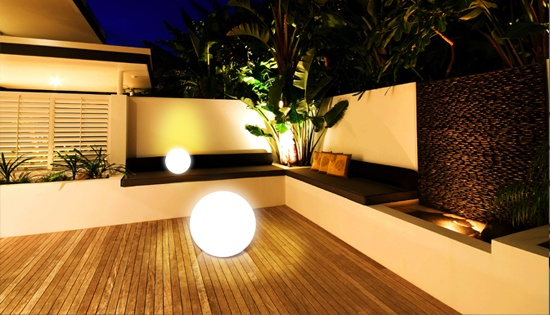 des luminaires pour sublimer sa terrasse. Black Bedroom Furniture Sets. Home Design Ideas