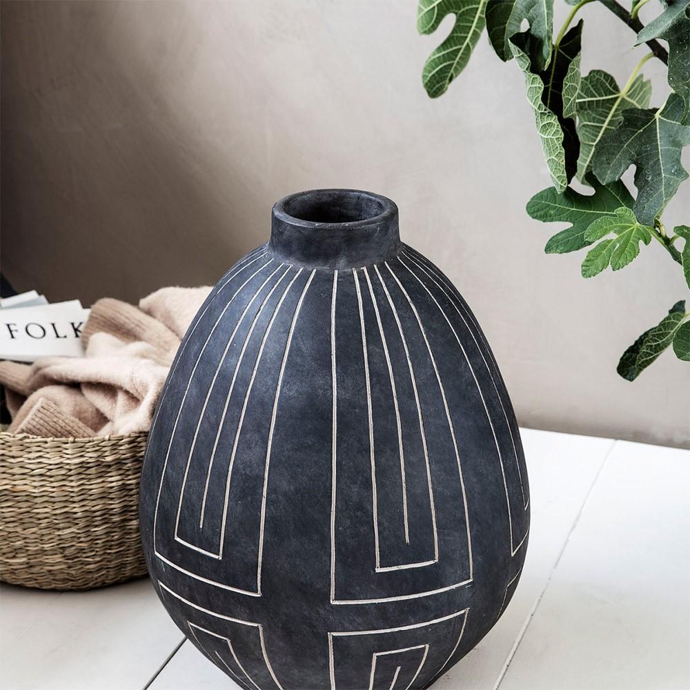 Sublimer son intérieur avec des vases déco atypiques