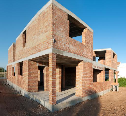 Quelles sont les différentes sortes de matériaux utilisés pour construire un mur porteur ?