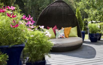Tapis et coussins d'extérieur pour cocooner sur la terrasse