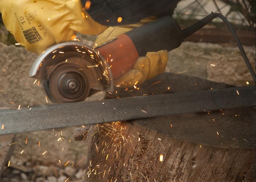 Se munir d'équipements adaptés pour les travaux de bricolage
