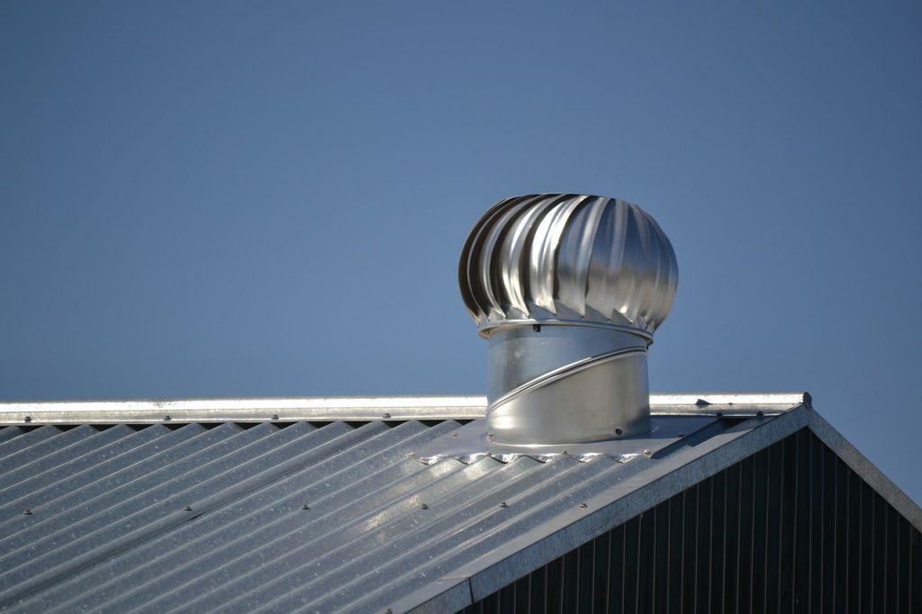 Le toit en métal : est-ce une bonne option?