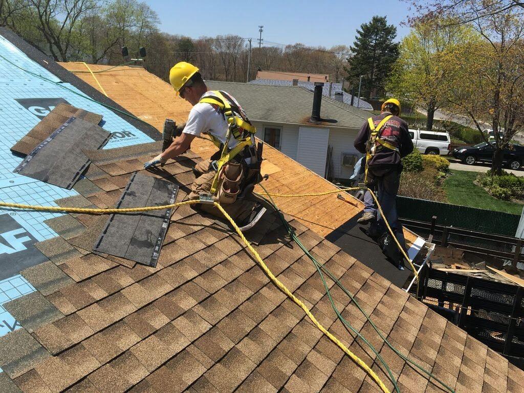 Travaux de toiture : limitez les risques de chute en hauteur