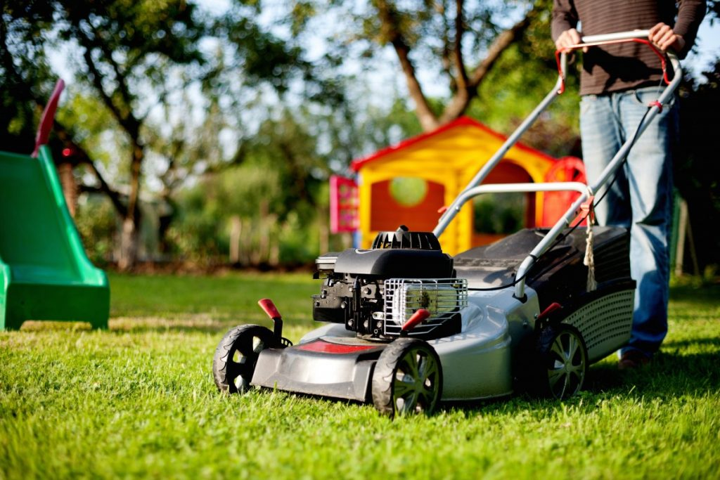 Guide pratique pour tondre sa pelouse comme un pro