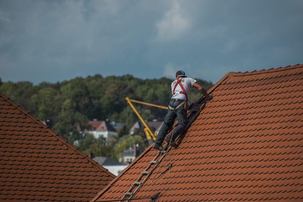 La réparation d'une toiture